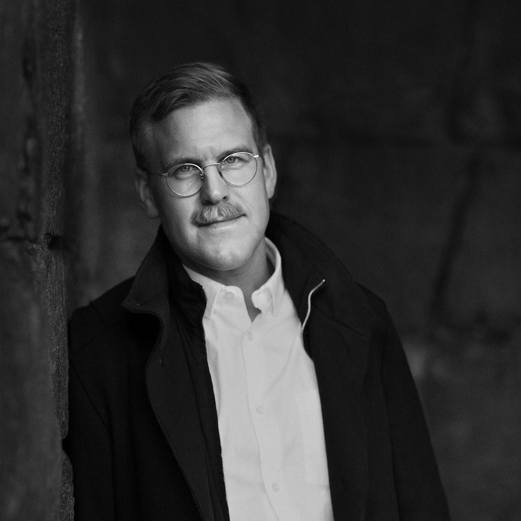Adam Svanell författare